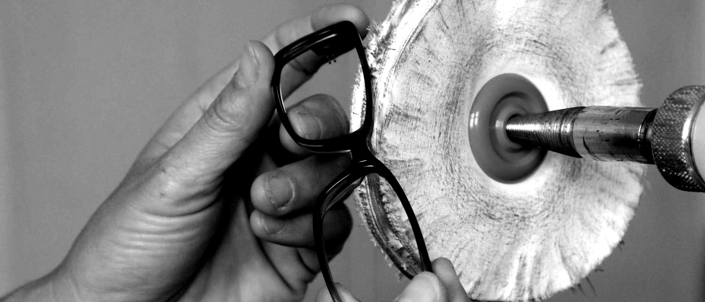 optik ganz: Brillen aus der hauseigenen Meisterwerkstatt